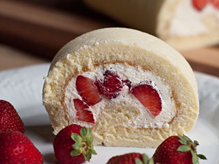 Strawberry Roll Cake