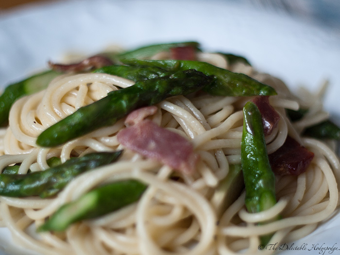Asparagus and Bacon Cream Sauce Spaghetti