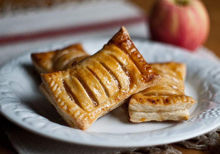 Mini Apple Pies The Delectable Hodgepodge